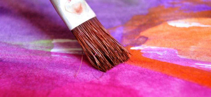 -Pinsel und schöne Farben