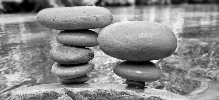 -Steine über einander